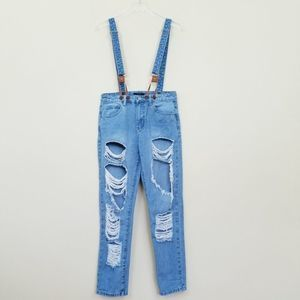 Forever 21 Distressed Mom Jean Overalls Size M